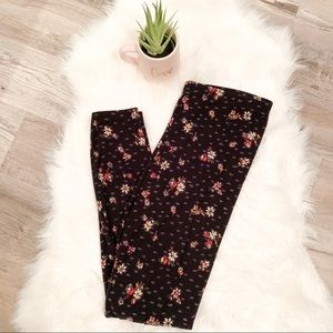 Socialite Black Leggings with Floral Print